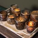 Produktové foto Clayre & Eef Hnědý skleněný svícen na čajovou svíčku s kovovým zdobením - Ø 10*11 cm