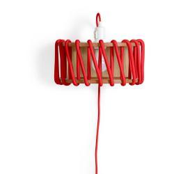 Červená nástěnná lampa s dřevěnou konstrukcí EMKO Macaron,délka30cm