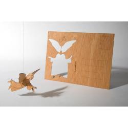 Dřevěná pohlednice Formes Berlin Anděl, 14,8 x 10,5 cm