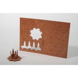 Dřevěná pohlednice Formes Berlin Adventní věnec, 14,8 x 10,5 cm