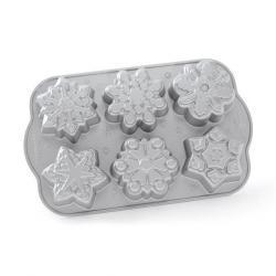 Nordic Ware Forma na 6 sněhových vloček Frozen Snowflake Bundt® stříbrná - Nordic Ware Forma na mini bábovky Sněhové vločky 6 tvarů 0,7 l stříbrná