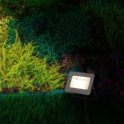 Näve LED zapichovací reflektor 5257661 střídání RGB