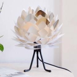 UMAGE UMAGE Silvia Mini stolní lampa ocel/černá