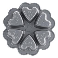 Forma na 6 srdíček s textem Conversation Hearts Bundt® stříbrná Nordic Ware