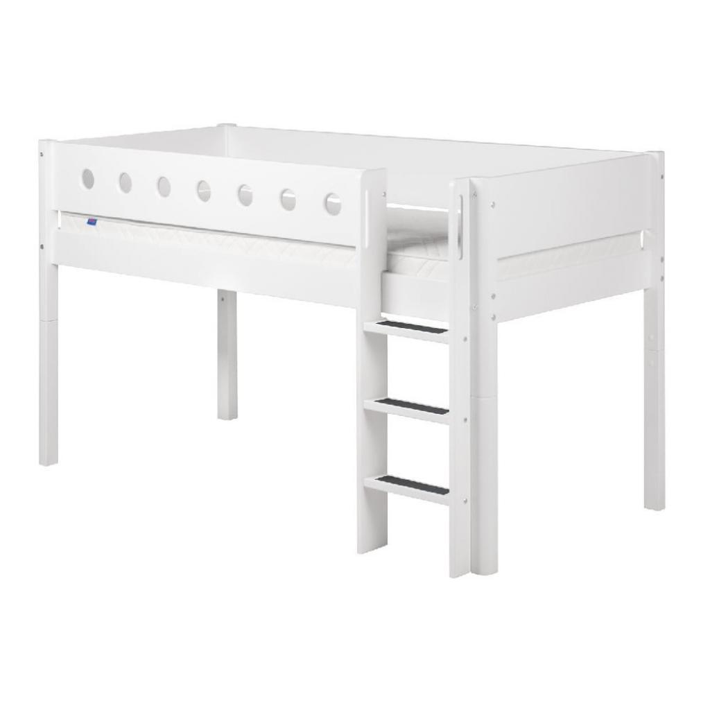 Produktové foto Bílá středně vysoká dětská postel s žebříkem Flexa White Single, 90x200cm