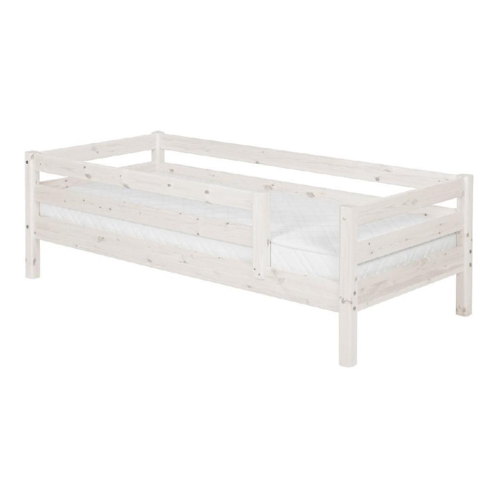 Produktové foto Bílá dětská postel z borovicového dřeva s 3/4 lištami Flexa Classic, 90x200cm