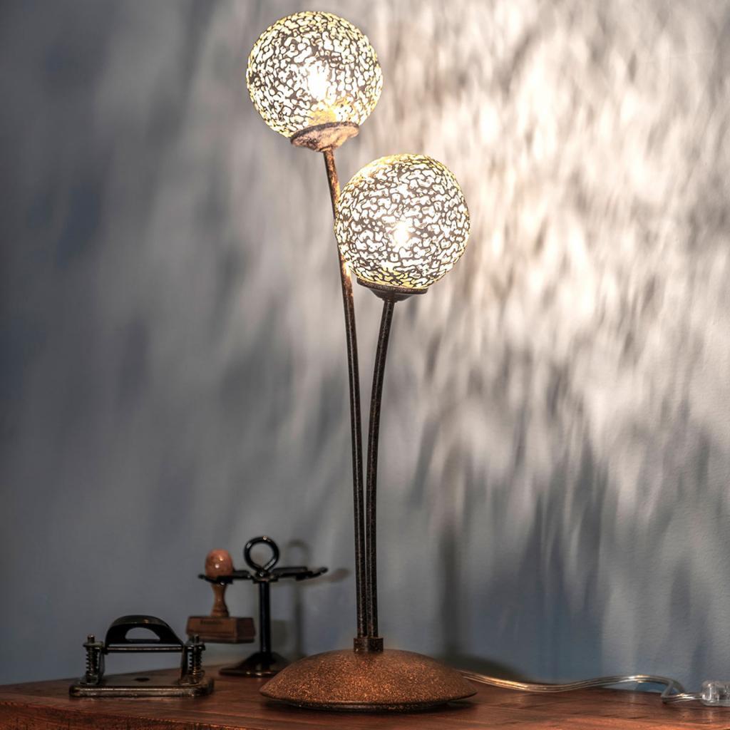 Produktové foto Paul Neuhaus Stolní lampa Greta vrezavém designu, dvouramenná
