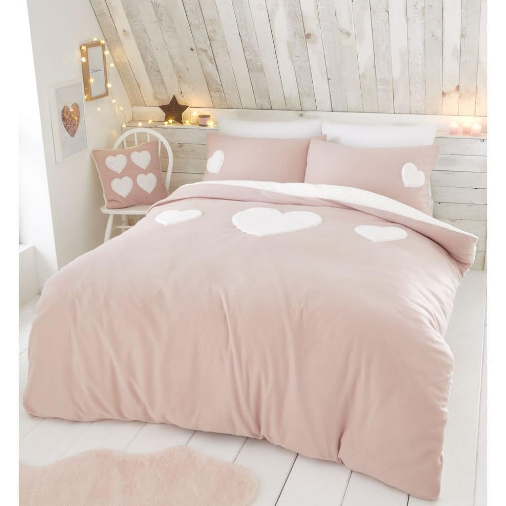 Produktové foto Růžové fleecové povlečení s motivem srdce Catherine Lansfield, 135 x 200 cm