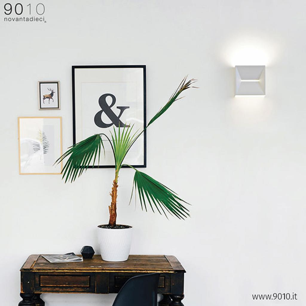 Produktové foto 9010 LED designové nástěnné světlo 2511, 2700K, stmívač