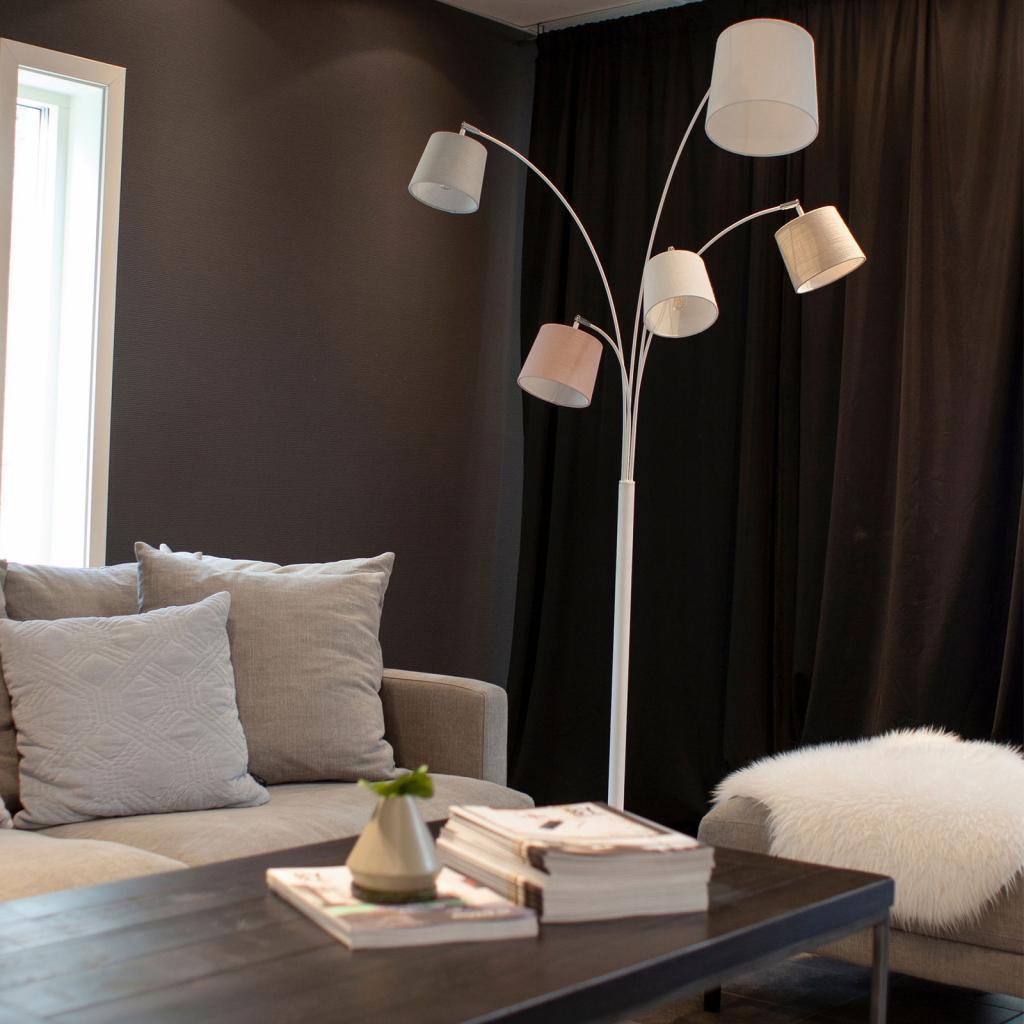 Produktové foto By Rydéns By Rydéns Foggy stojací lampa, pět stínidel, bílá