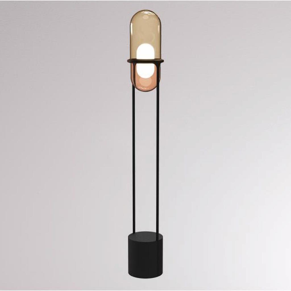 Produktové foto LOUM LOUM Pille LED stojací lampa šampaňská/měď