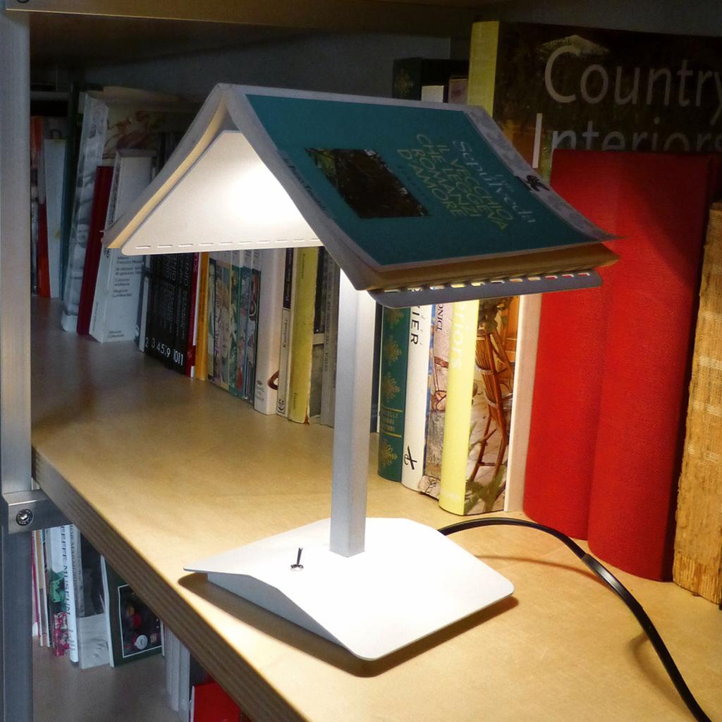 Produktové foto Martinelli Luce Martinelli Luce Segnalibro - LED stolní lampa