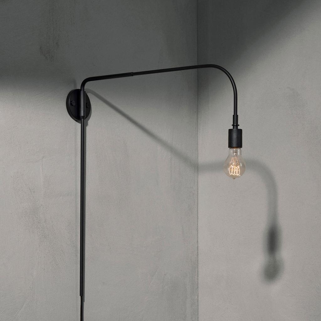 Produktové foto MENU Menu Warren nástěnné světlo se zástrčkou, černá