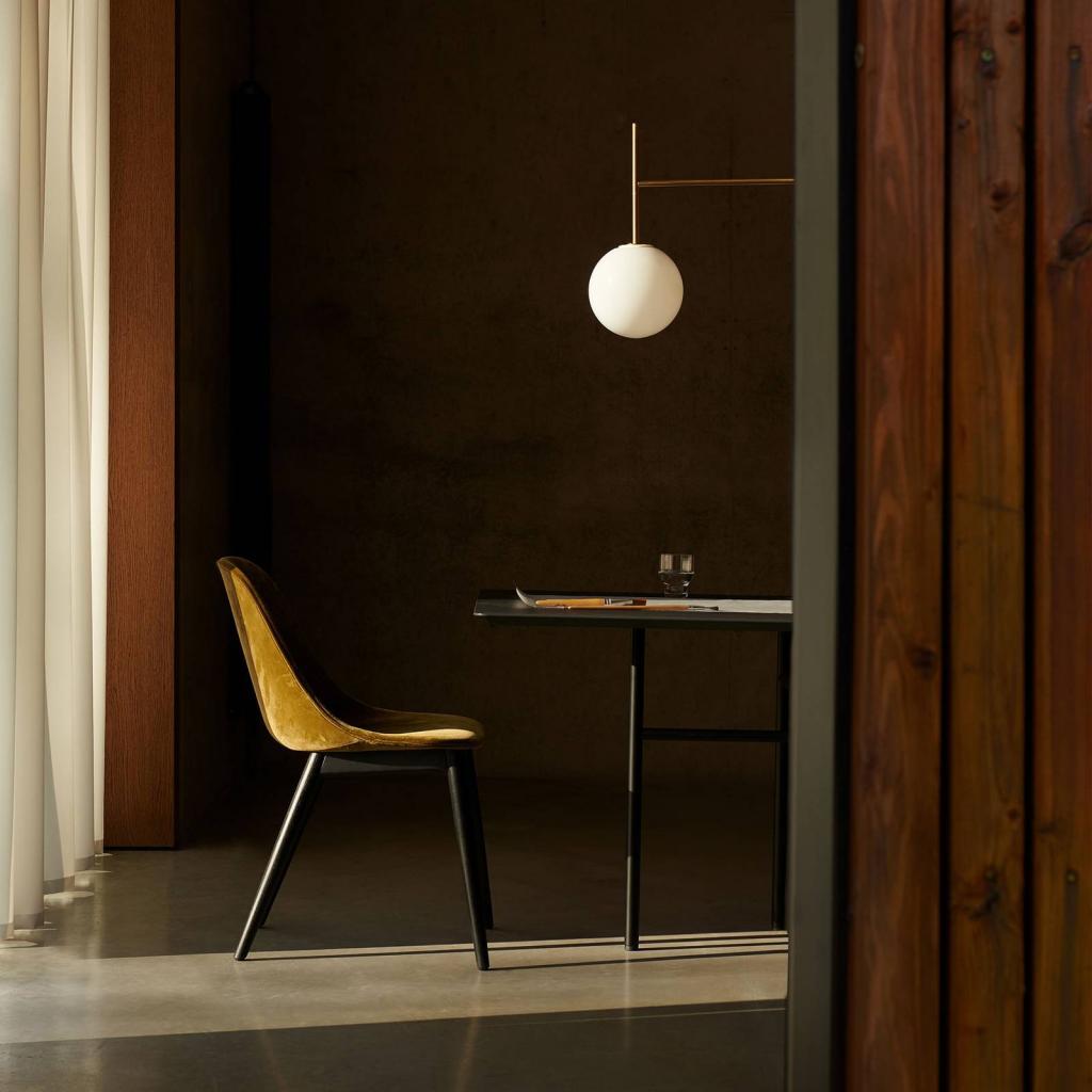 Produktové foto MENU Menu TR Bulb DTW LED závěs 4zdroje mosaz/opál mat