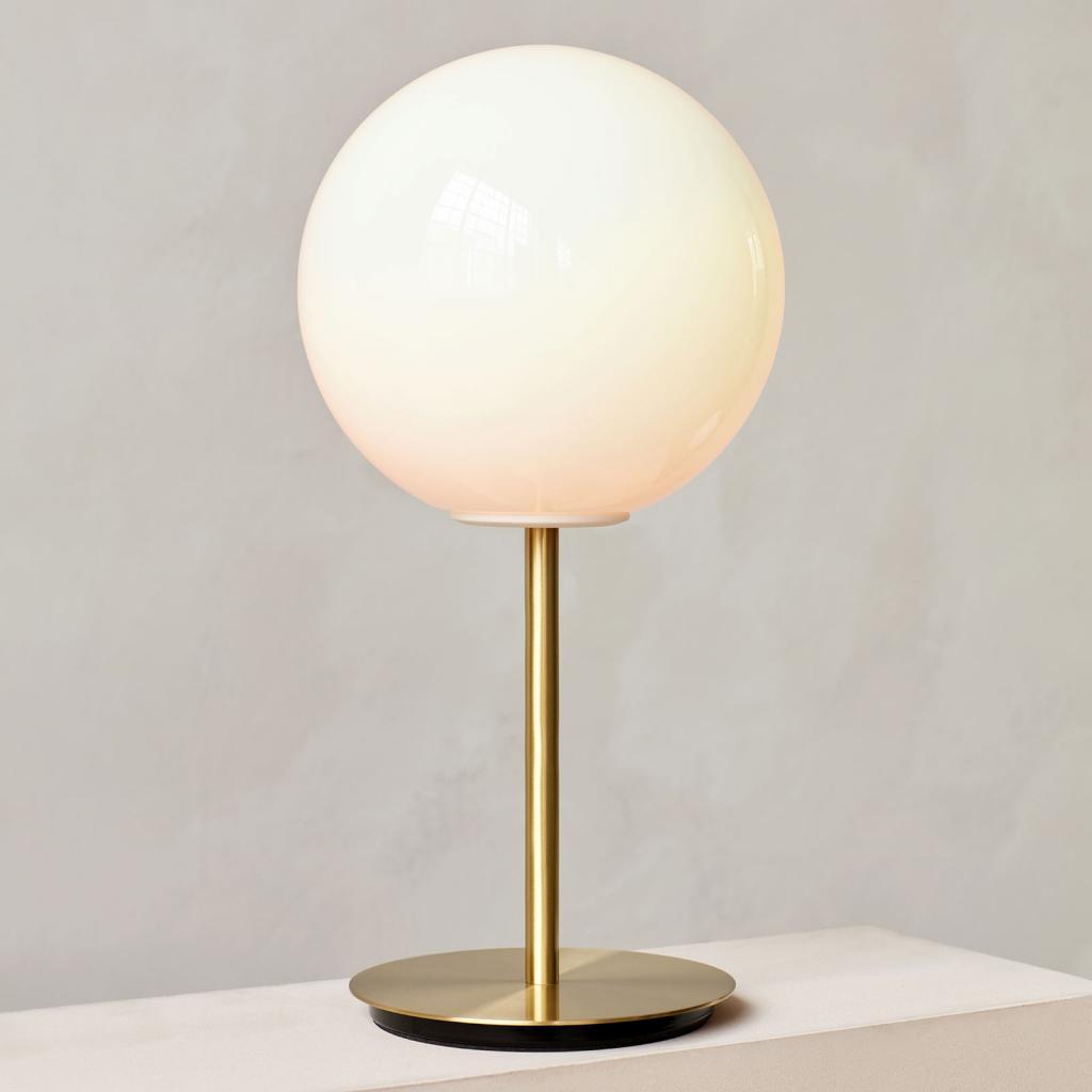 Produktové foto MENU Menu TR Bulb DTW stolní lampa 41cm mosaz/opál lesk