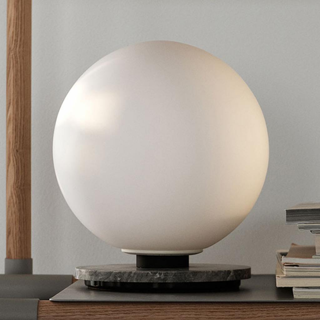 Produktové foto MENU Menu TR Bulb DTW stolní lampa 22cm mramor/opál mat