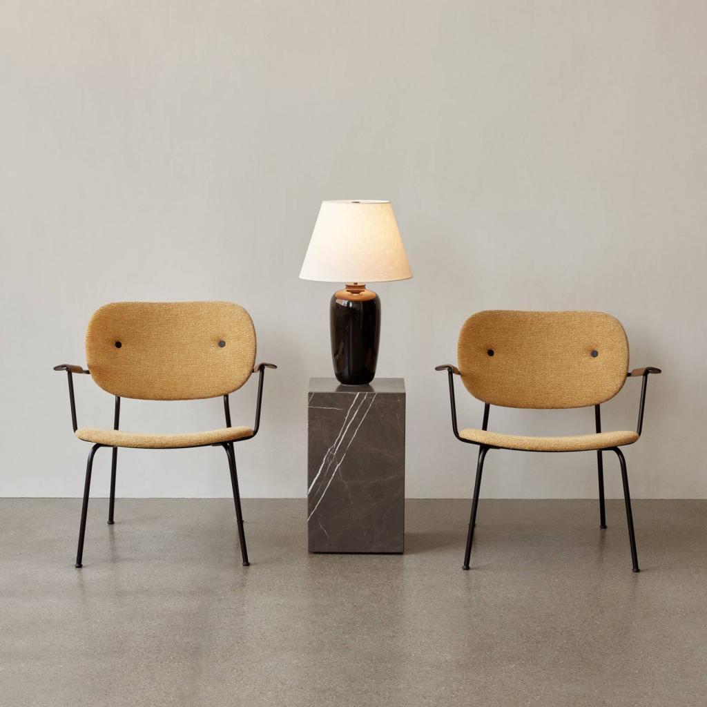 Produktové foto MENU Menu Torso LED stolní lampa, černá/bílá, 57 cm