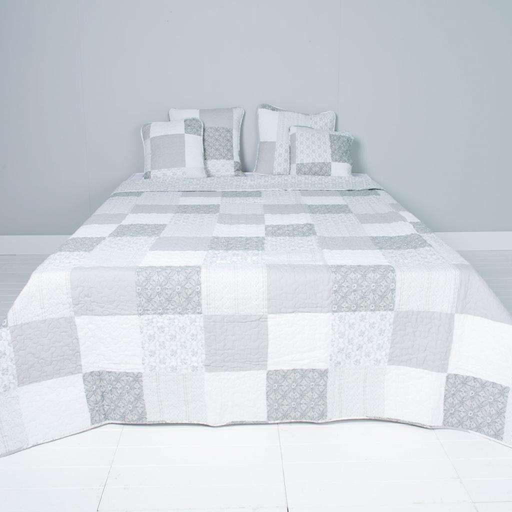 Produktové foto Clayre & Eef Přehoz na jenolůžkové postele Quilt 162 - 140*220 cm