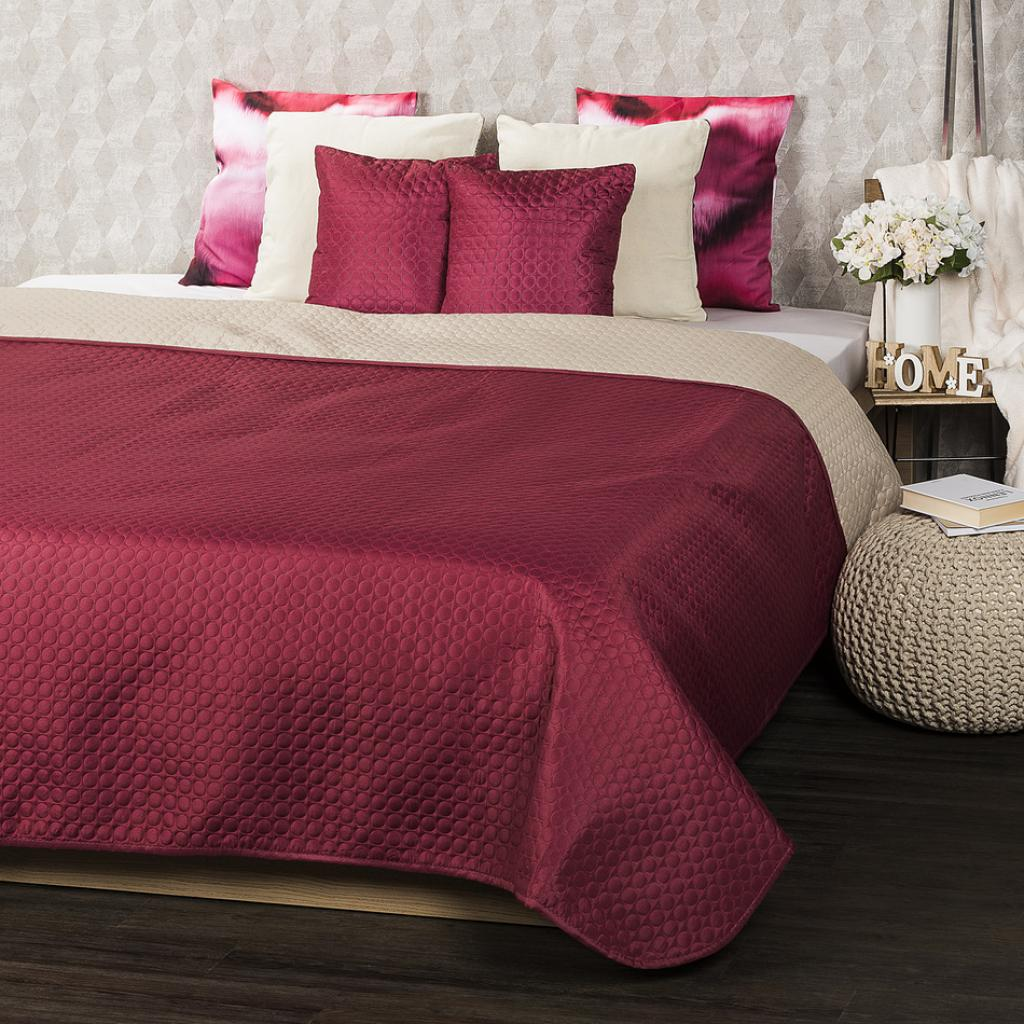 Produktové foto 4Home Přehoz na postel Doubleface vínová/béžová , 220 x 240 cm, 2x 40 x 40 cm
